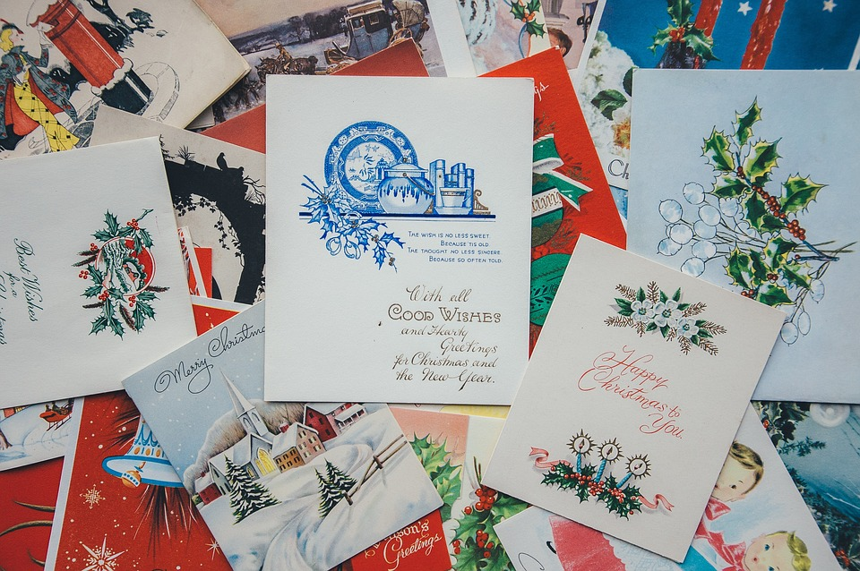 5 Crafts Made With Christmas Cards: Creative Time With Recycled Materials